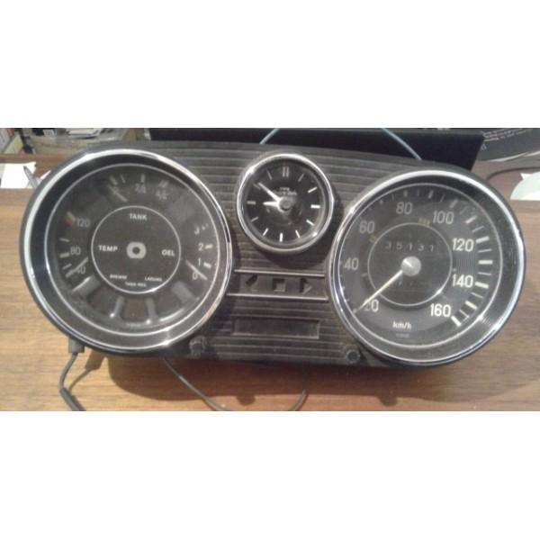 Mercedes w114 speedometer effegarage srl - Garage mercedes deauville ...